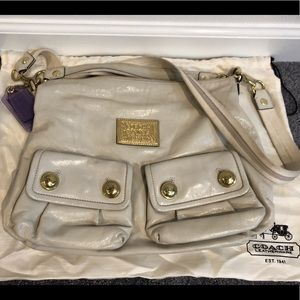 Coach Poppy Leather Swing Hobo in cream leather